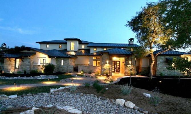 Austin Luxury New Home Builder Zbranek Holt Custom Homes Embraces