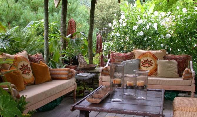 Backyard Charming Courtyard Landscaping Ideas