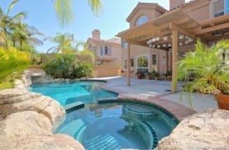 Beautiful Mediterranean House Pool