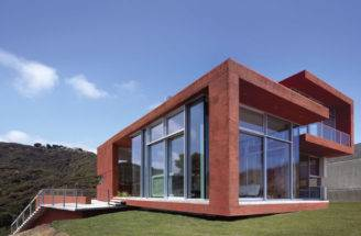 Brick Red Environment Friendly Malibu House Kanner Architects