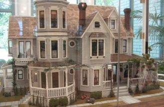 Childhood Dreams Doll House Read Till Drop