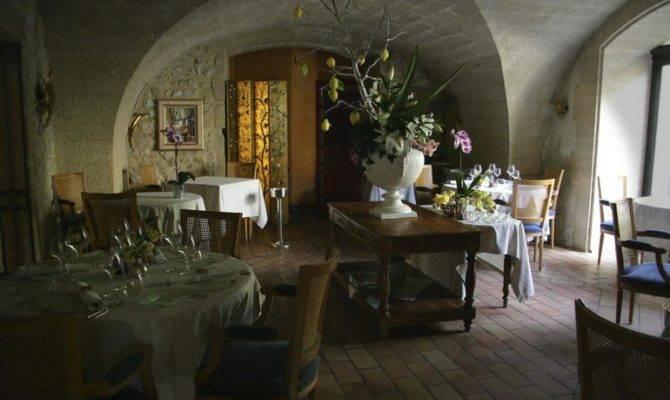 Cottage Style Restaurant Interiors