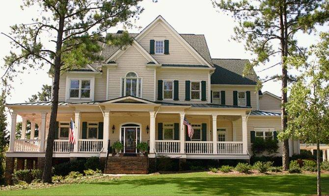 Dream Homes According Your Wishes White Wall Green Lawn American