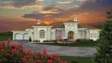 Exquisitely Embellished Tuscan Villa