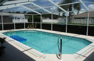 Finding Swimming Pool Home Sale Lakeland