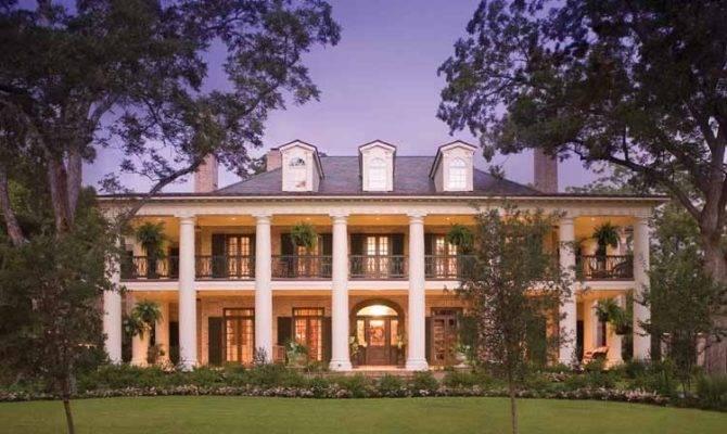 Gracious Antebellum Manors Deep South Plantation House