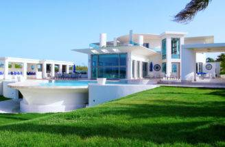 Luxury Houses Villas Hotels White Villa Design