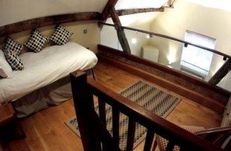Mezzanine Floor Coach House Single Bed