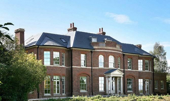 Neoclassical House Buckinghamshire Greenbelt