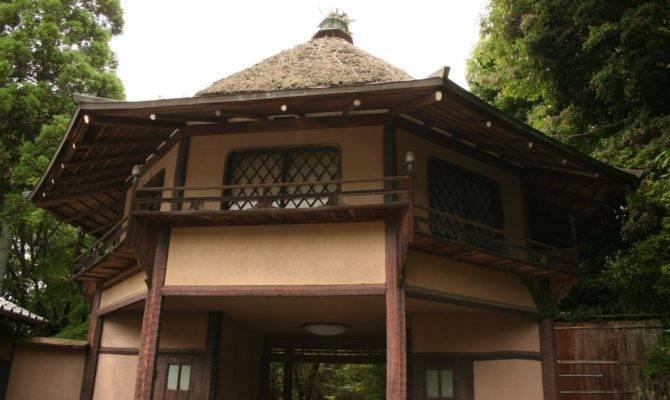 Panoramio Hexagon Roof House