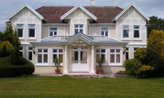 Pillars House According Vaastu Tips