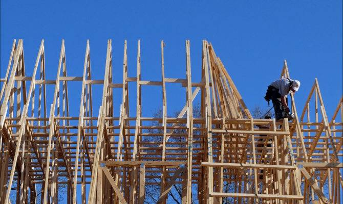 Strong Consumer Spending Home Construction Accelerate Economy