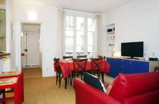Tour Marais Cheap Two Bedrooms Apartment