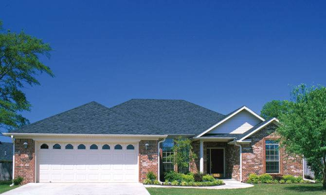 Traditional Brick Ranch Hip Roof Design