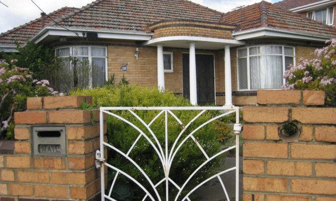 Art Deco Villa Clinker Brick Thornbury Pretty