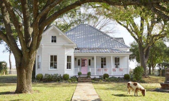 Artistic Farmhouse Design Michigan Home Old
