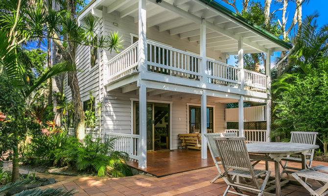 Beach Cottage Style Home Plans