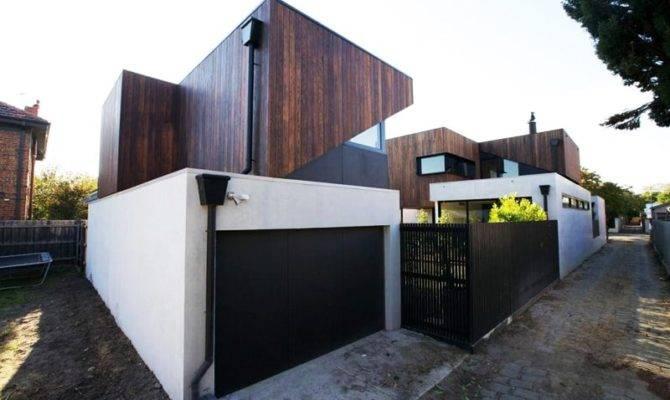 Beautiful Residential Dwelling Separate Garage
