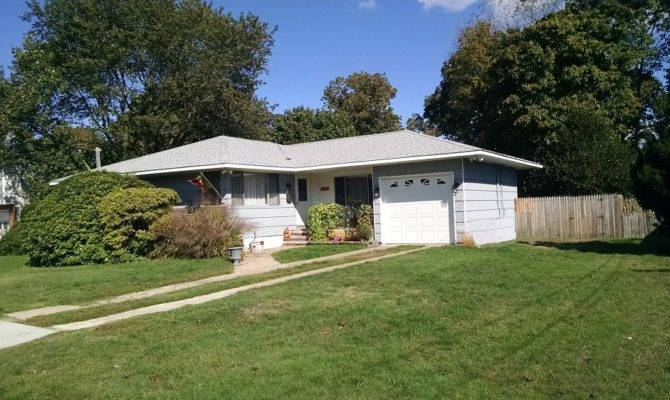 Beautiful Shaped Ranch Swan Realty Patchogue