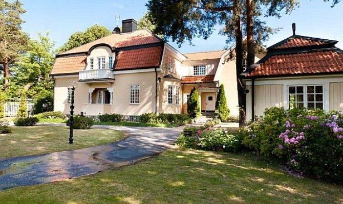 Beautiful Villa Charming Interiors