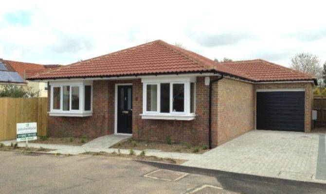 Bedroom Bungalow Sale Lyndsey Place Cheshunt