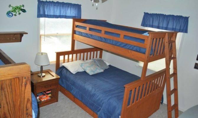Bedroom Bunk Beds One Has Double Bed
