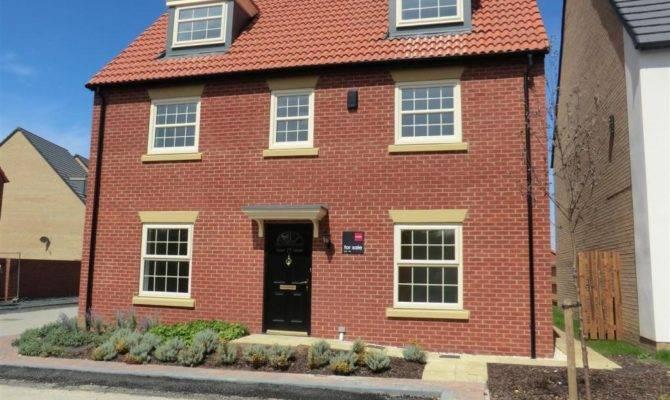 Bedroom Detached House Sale Finch Drive Colton Leeds
