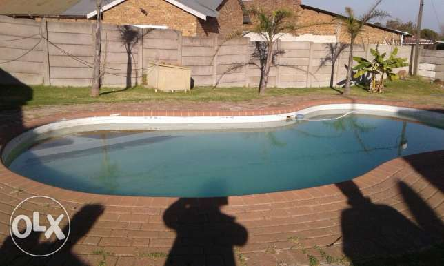 Bedrooms Bathroom Garage Swimmingpool Witbank