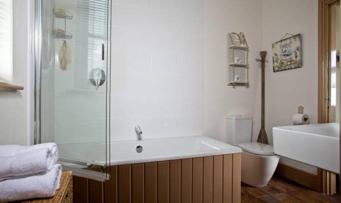 Best Simple New England Style Bathrooms Ideas House