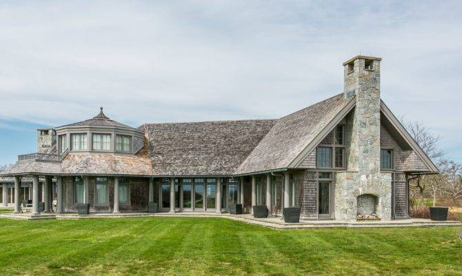 Cape Cod Style House Beautiful Acres