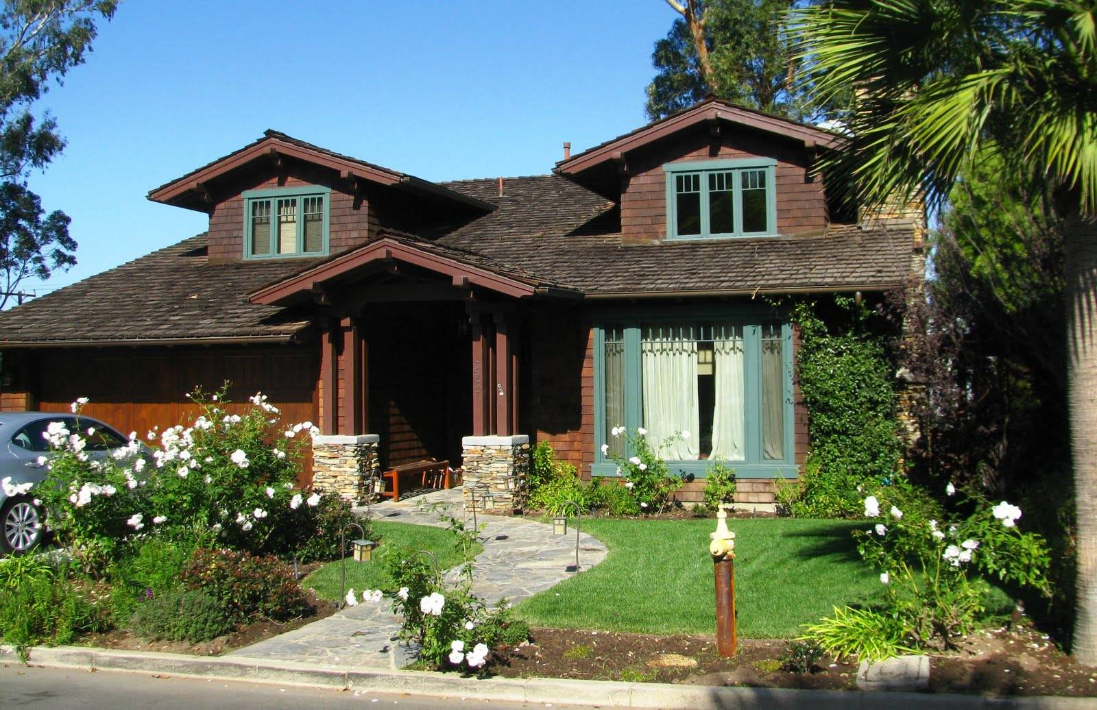 Challenged Local Bloggers Find Best Craftsman Style House