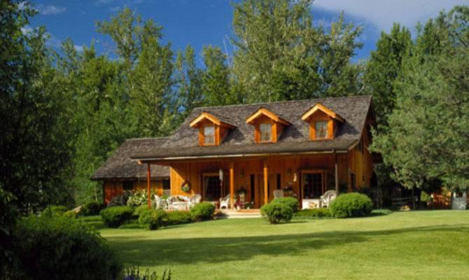 Classic Lindal Cedar Homes