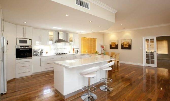 Classic Open Plan Kitchen Design Using Hardwood