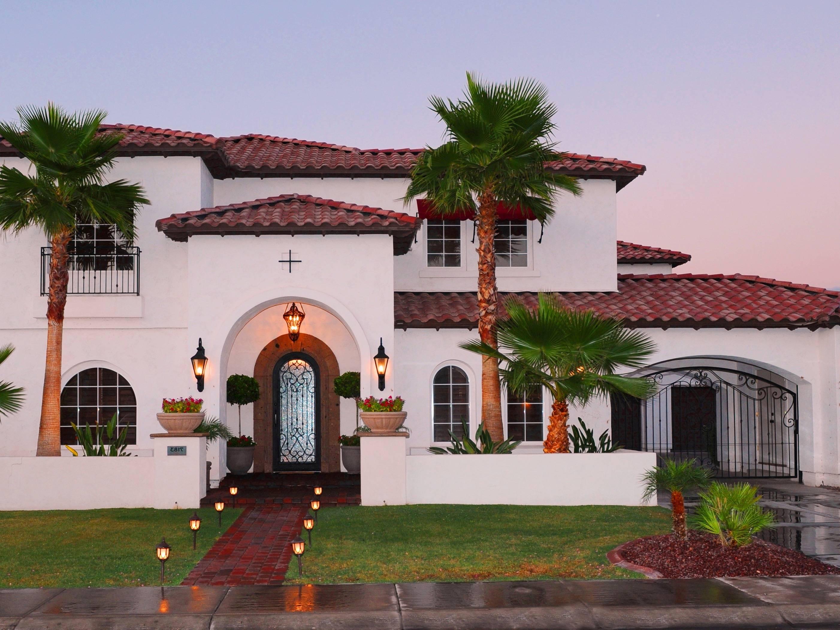 Classy Mediterranean House Exterior Design Ideas