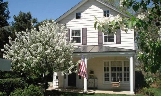 Colonial Farmhouse Design Architecture Swing