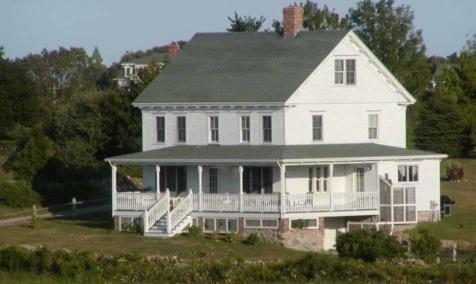 Colonial Farmhouse Design Architecture Wood