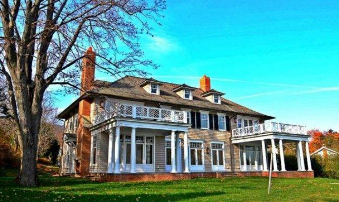 Colonial Revival Manor House Features Its Own Hudson River