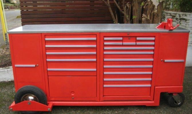 Custom Pit Box Garage Journal Board