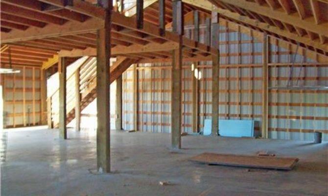 Custom Shop Living Quarters Post Rafter Structure
