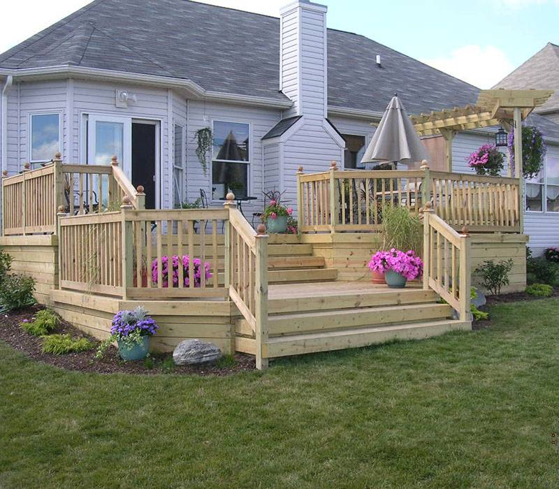 Custom Wood Deck Elyria Fence