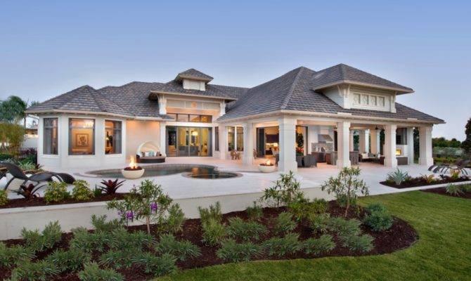 Decide Between Hiring Architect Designer