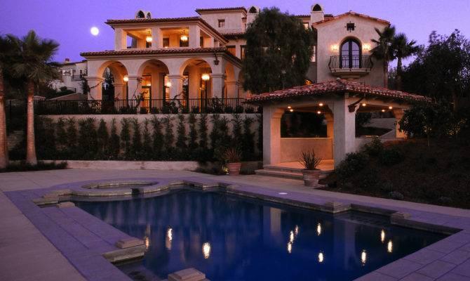 Enjoy International Luxury Livestyle