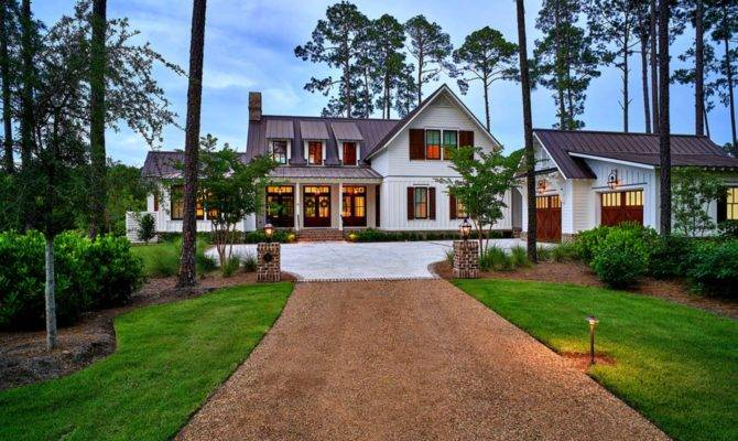 Exquisite South Carolina Farmhouse Evoking Low Country Style