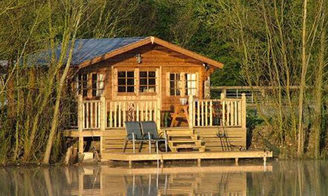 Fantastic Small Sized One Story Log Home Lake River