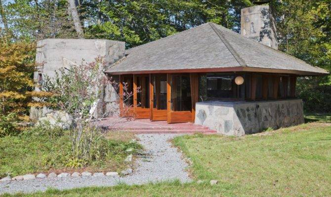 Frank Lloyd Wright Heart Island House