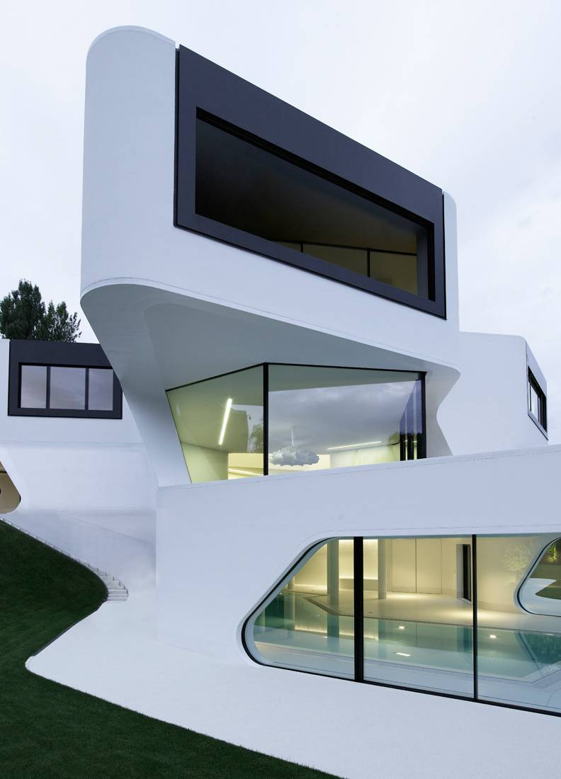 Futuristic Modern Dupli Casa Mayer Architects