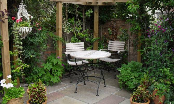 Garden Houses Small Courtyard Gardens Design Corner Pergola Outdoor