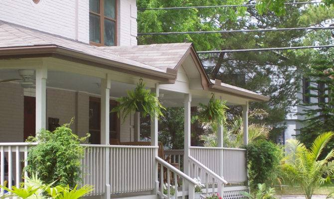Geometric Chair Rail Style Covered Front Porch Archadeck