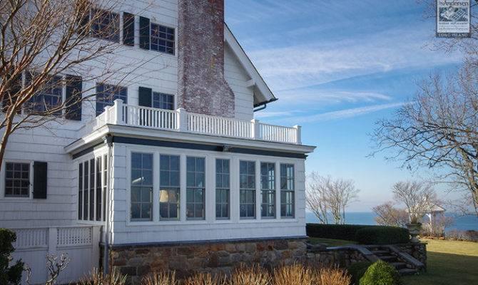 Gorgeous North Shore House Lots Windows