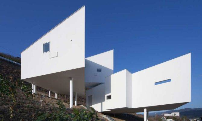 Gravity Defying Homes Sited Steep Slopes Architizer